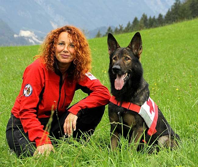 IRO - Andrea Ebner-Kloiber mit ihrem Hund